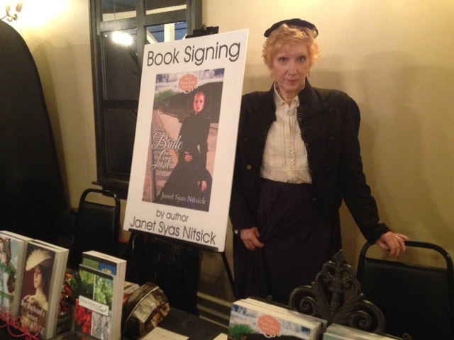 janet at booksigning